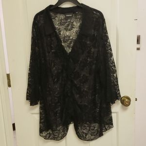 AVENUE BLACK LACE SHEER TOP 4X 30/32 BUTTON RUFFLE